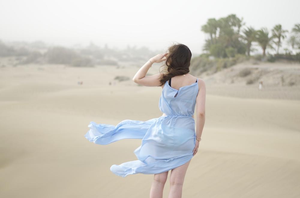 kleid-wind-blau-dünen-gran-canaria