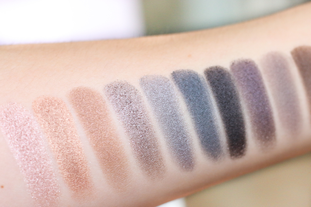 Naked_Smoky_Swatches_Blog_Review_Urban_Decay