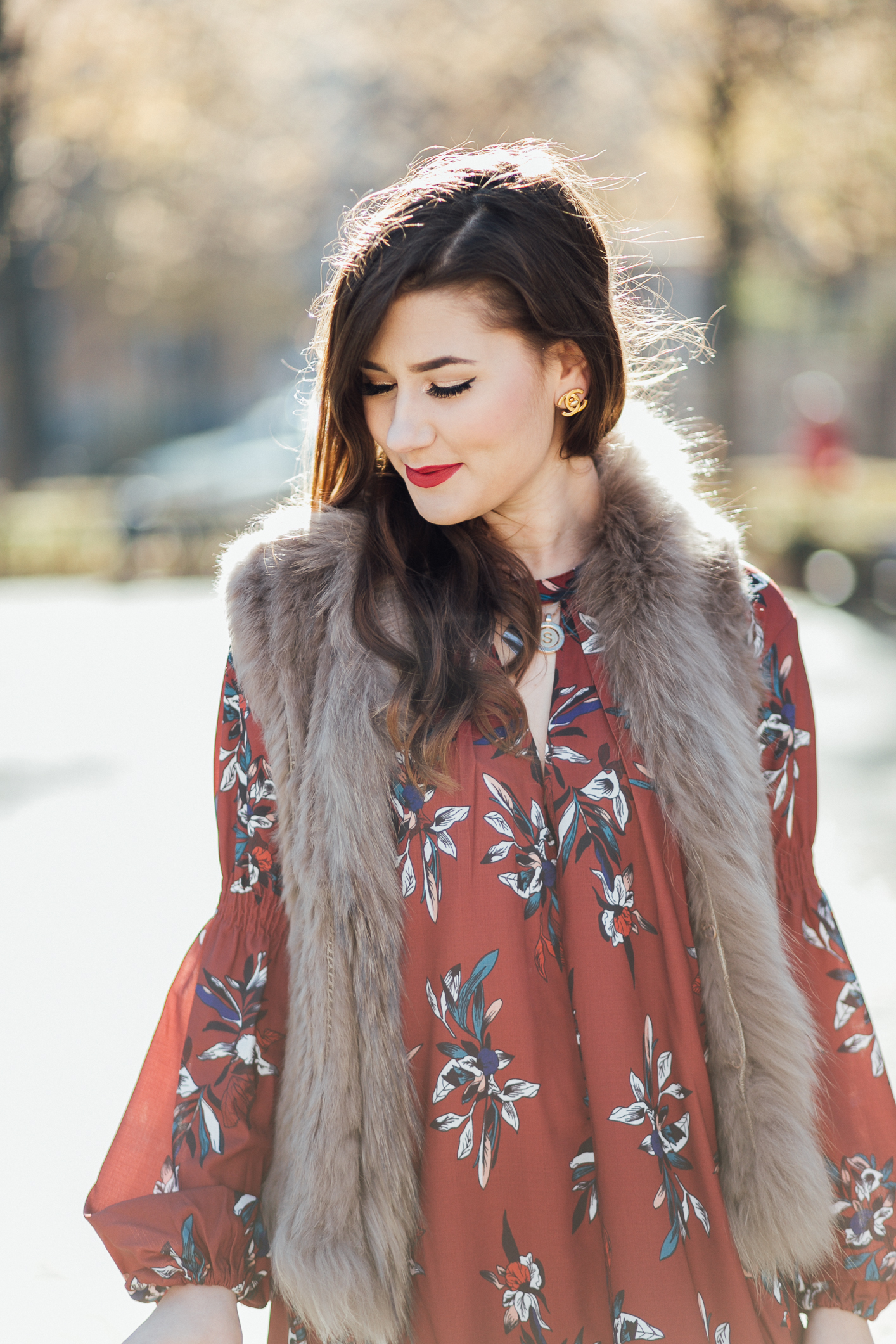 Beauty-Blogger-München-Sara-Bow-Herbst-Kleid-Outfit-Fellweste