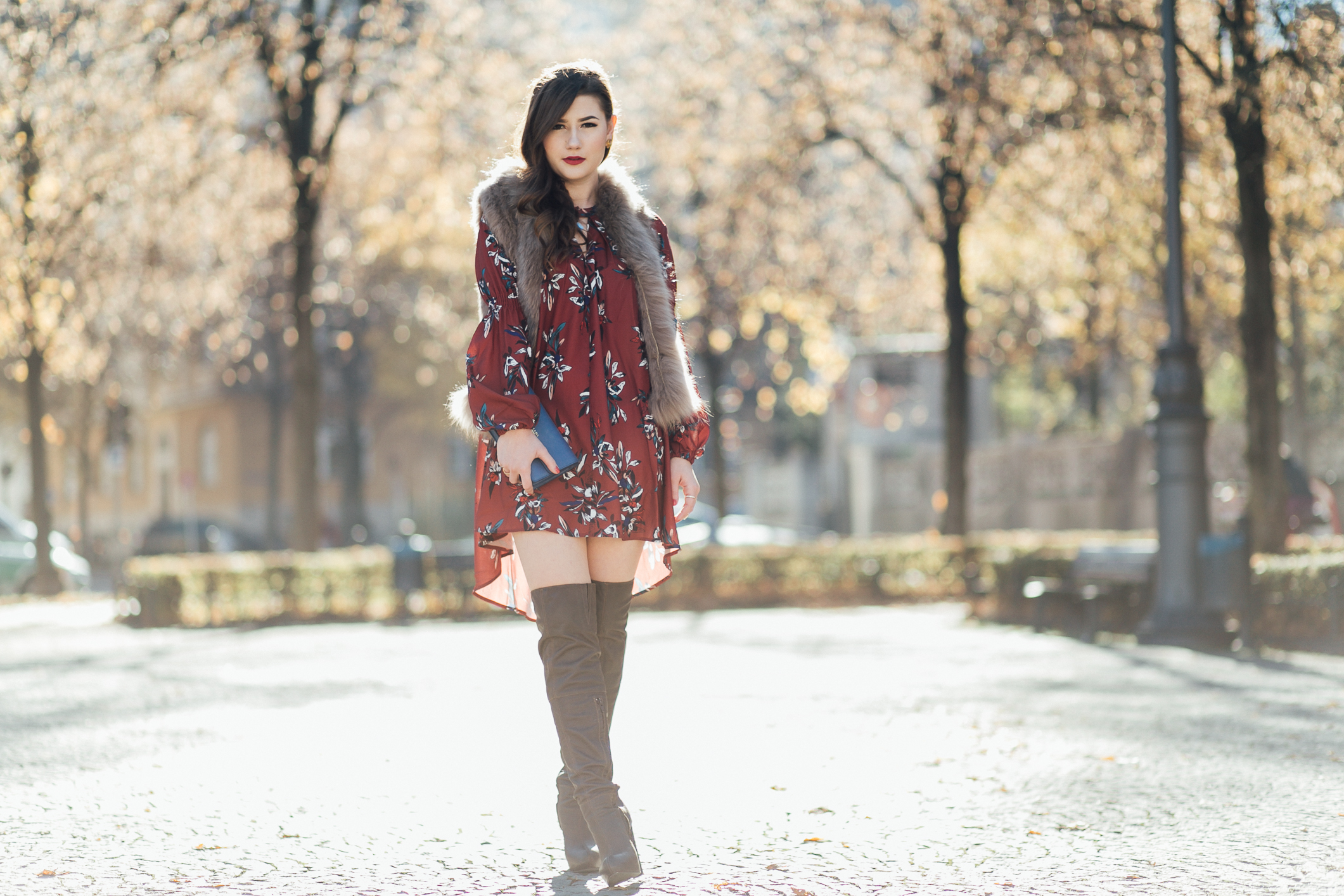 Fashion-Blogger-outfit-mit-overknee-stiefel-sara-bow