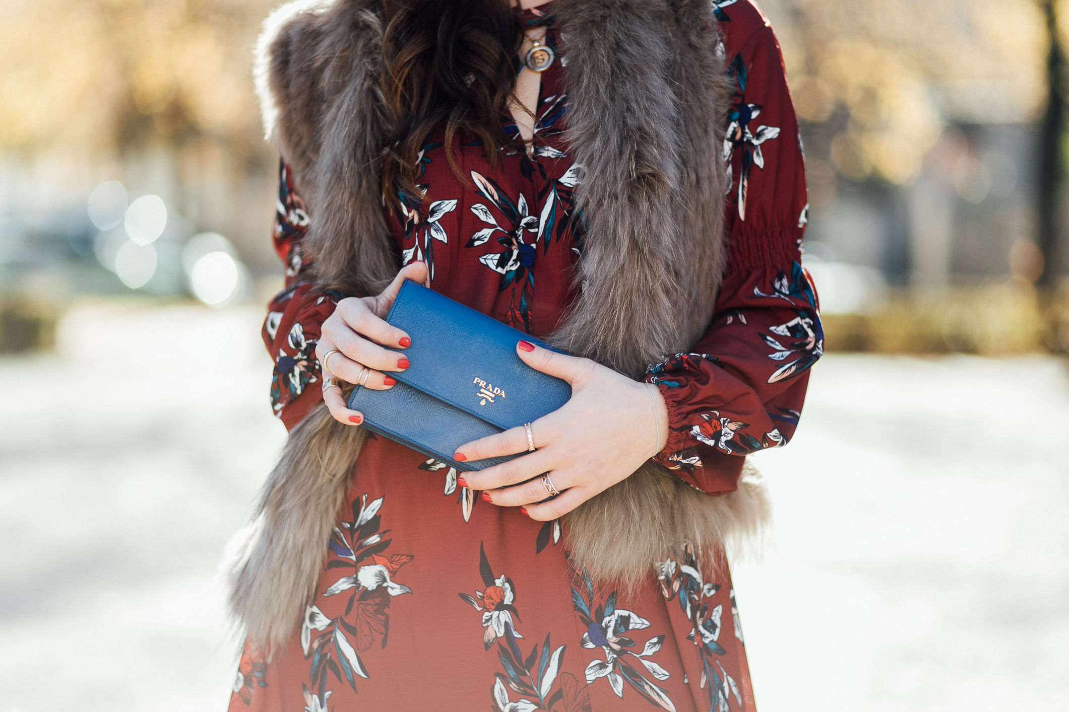 Prada-tasche-blau-outfit-inspiration-fashion-blogger