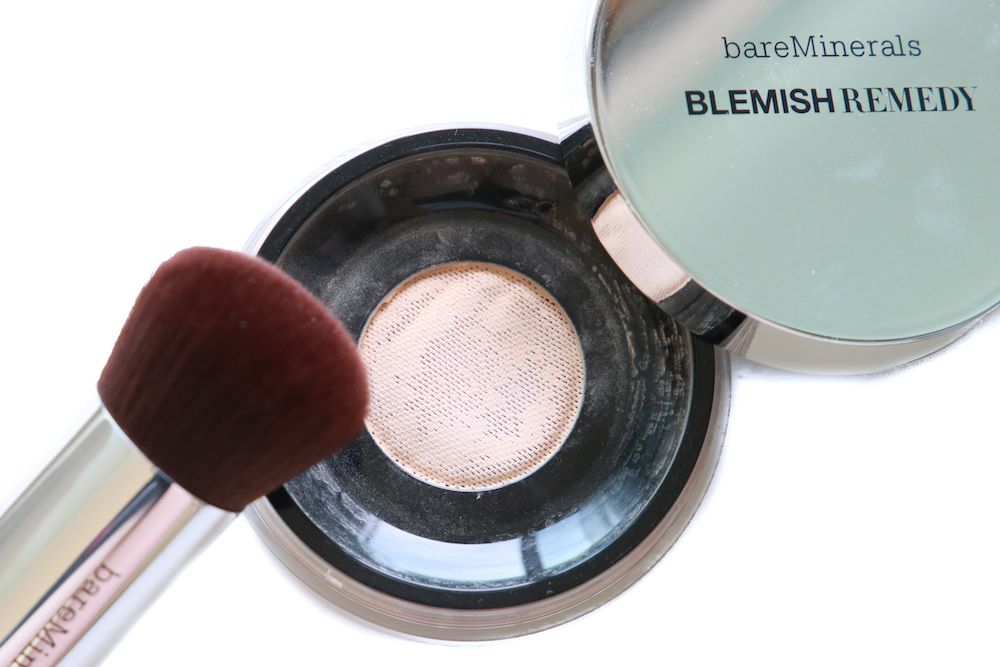 Blemish-remedy-foundation-bare-minerals-beauty-blog-review