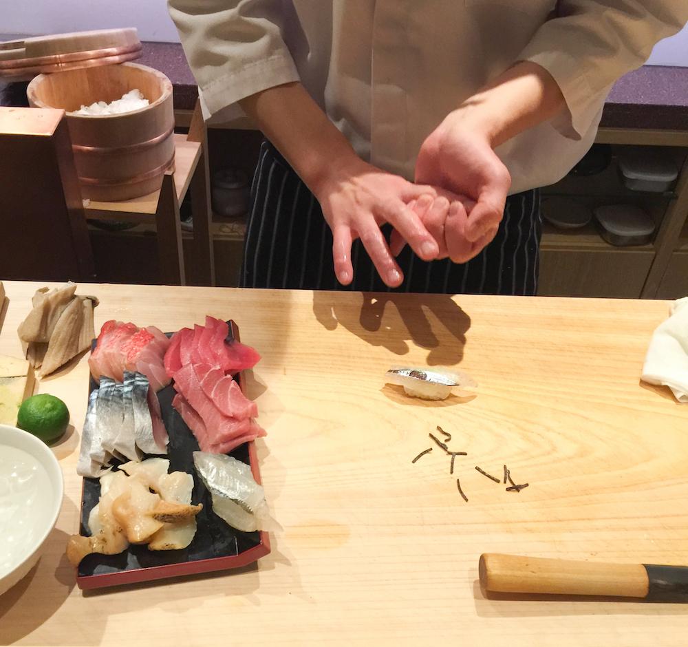 <em>Das Beste Sushi in Tokyo</em>&#8211; Andaz Toranomon <strong>Roof Top Bar</strong>