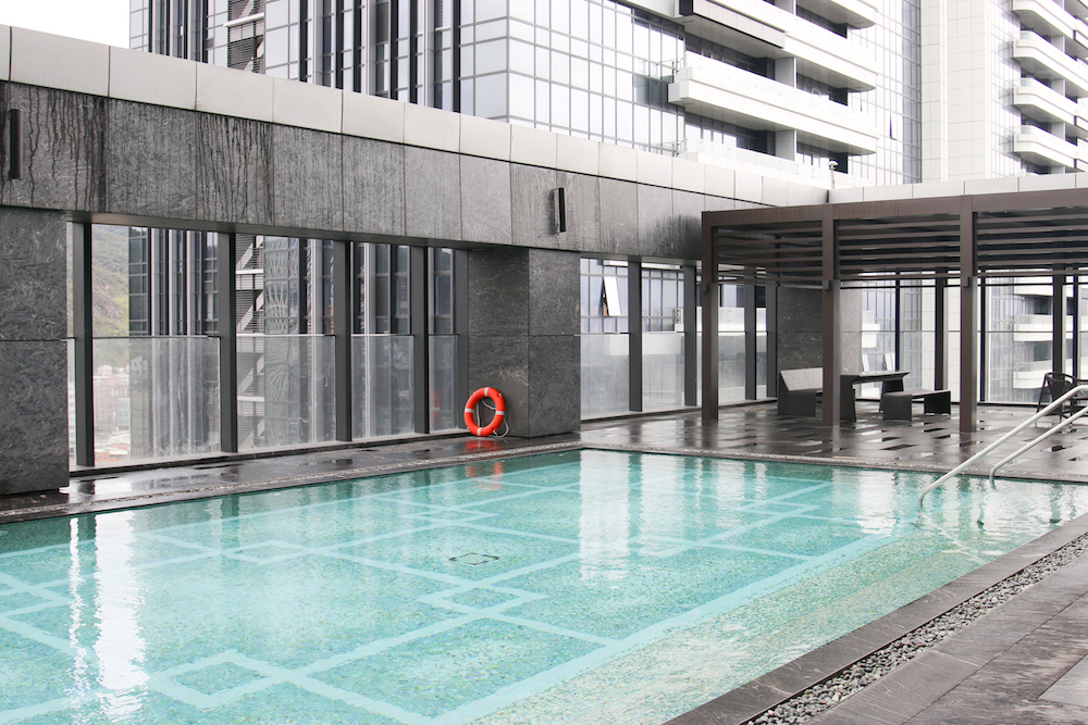 luxury-outdoor-swimming-pool-marriott-hotel-taipei