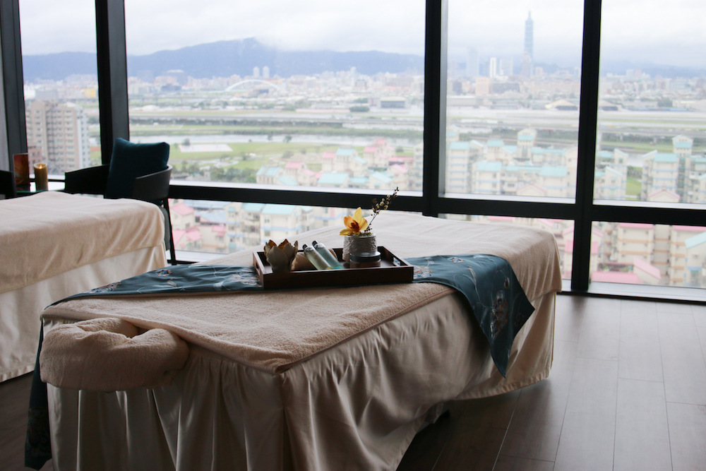 marriott-hotel-taipei-tawain-spa-massage-view