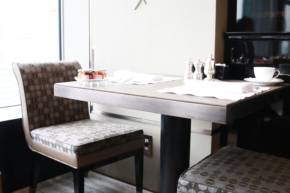 shang-ri-la-tokyo-breakfast-restaurant-interior