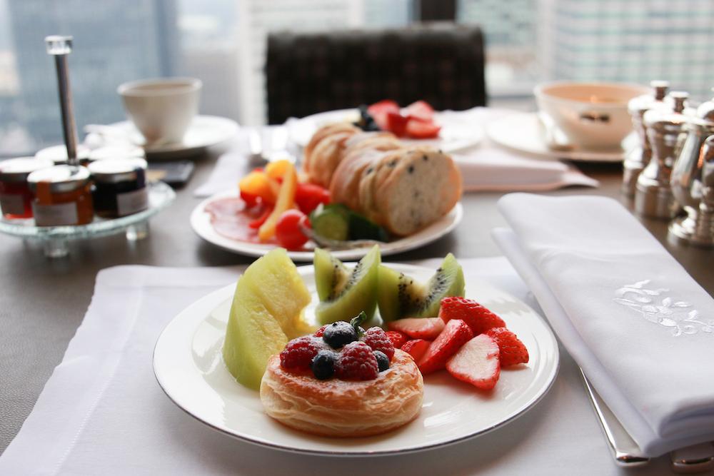 shang-ri-la-tokyo-breakfast-view-restaurant