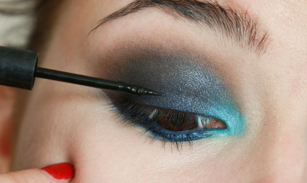 artdeco-em-fussball-makeup-look-tutorial