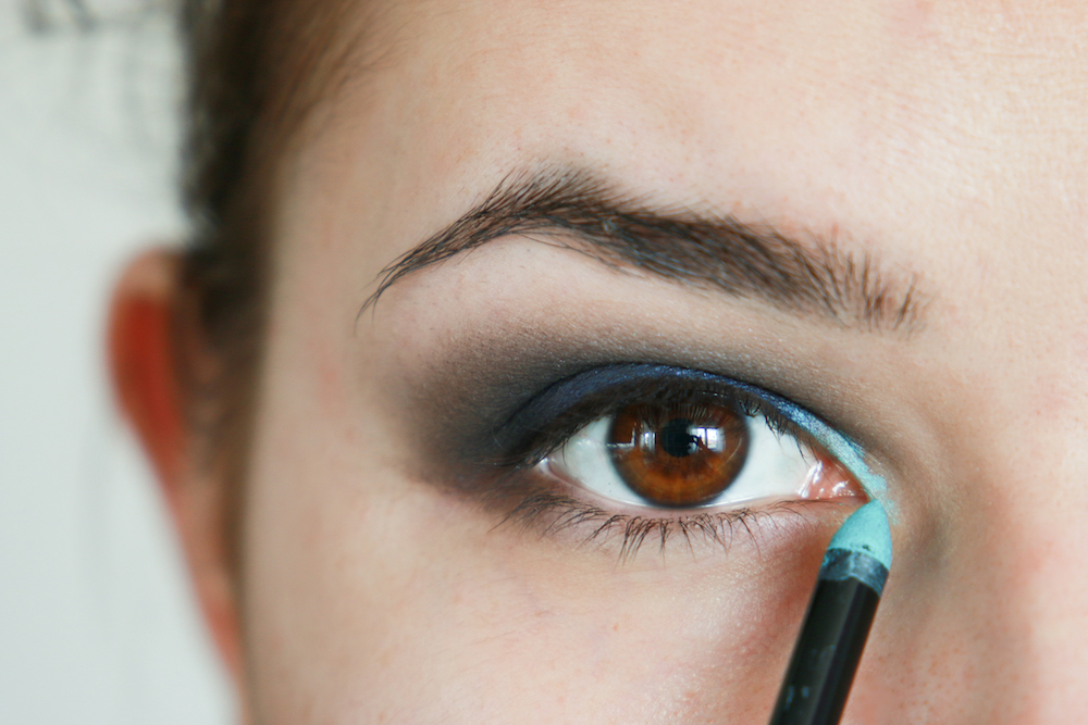 smokey-eyes-makeup-tutorial-step-by-step