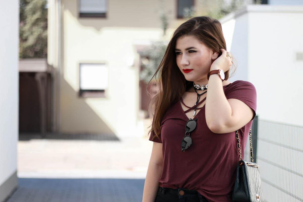 sara-bow-fashion-blog-stuttgart-weinrot-tshirt-oberteil-kombinieren