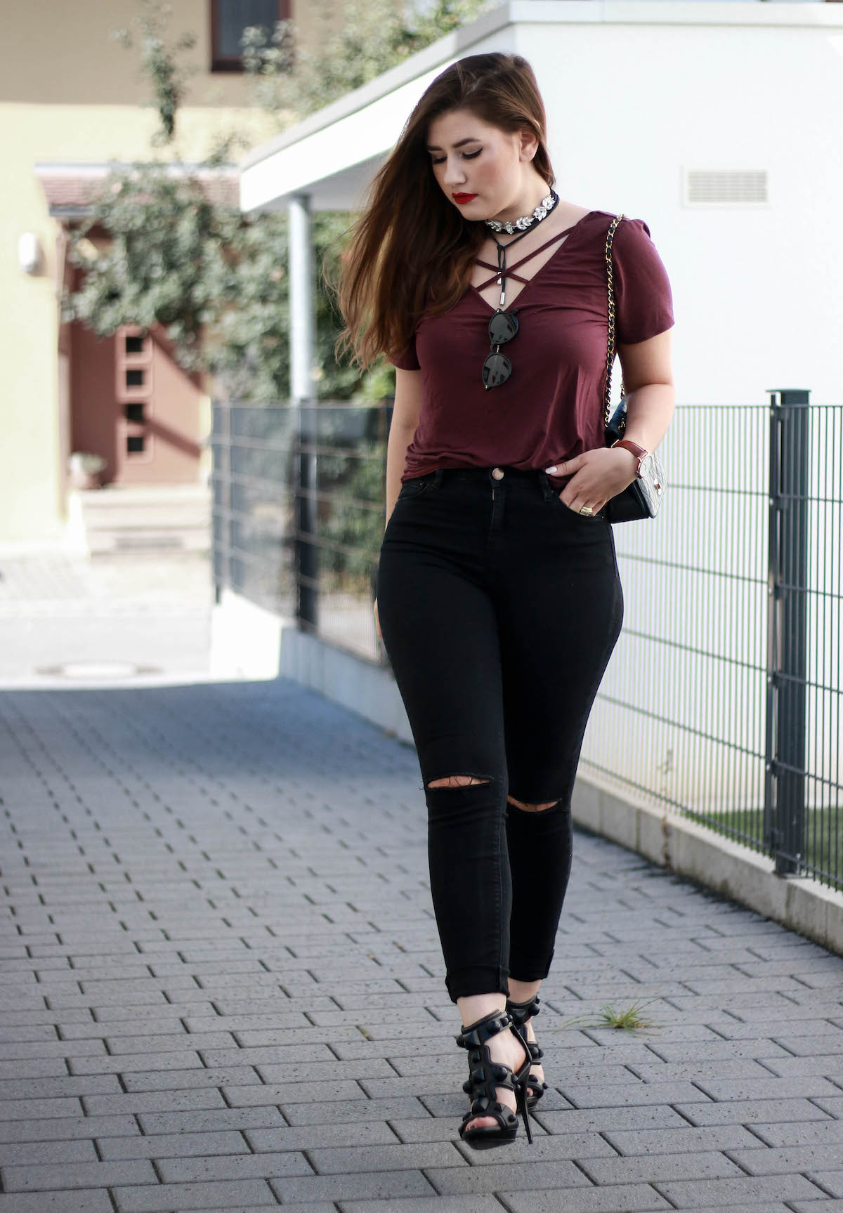 sara-bow-fashion-blogger-asos-jeans-burberry-heels-zara-schmuck