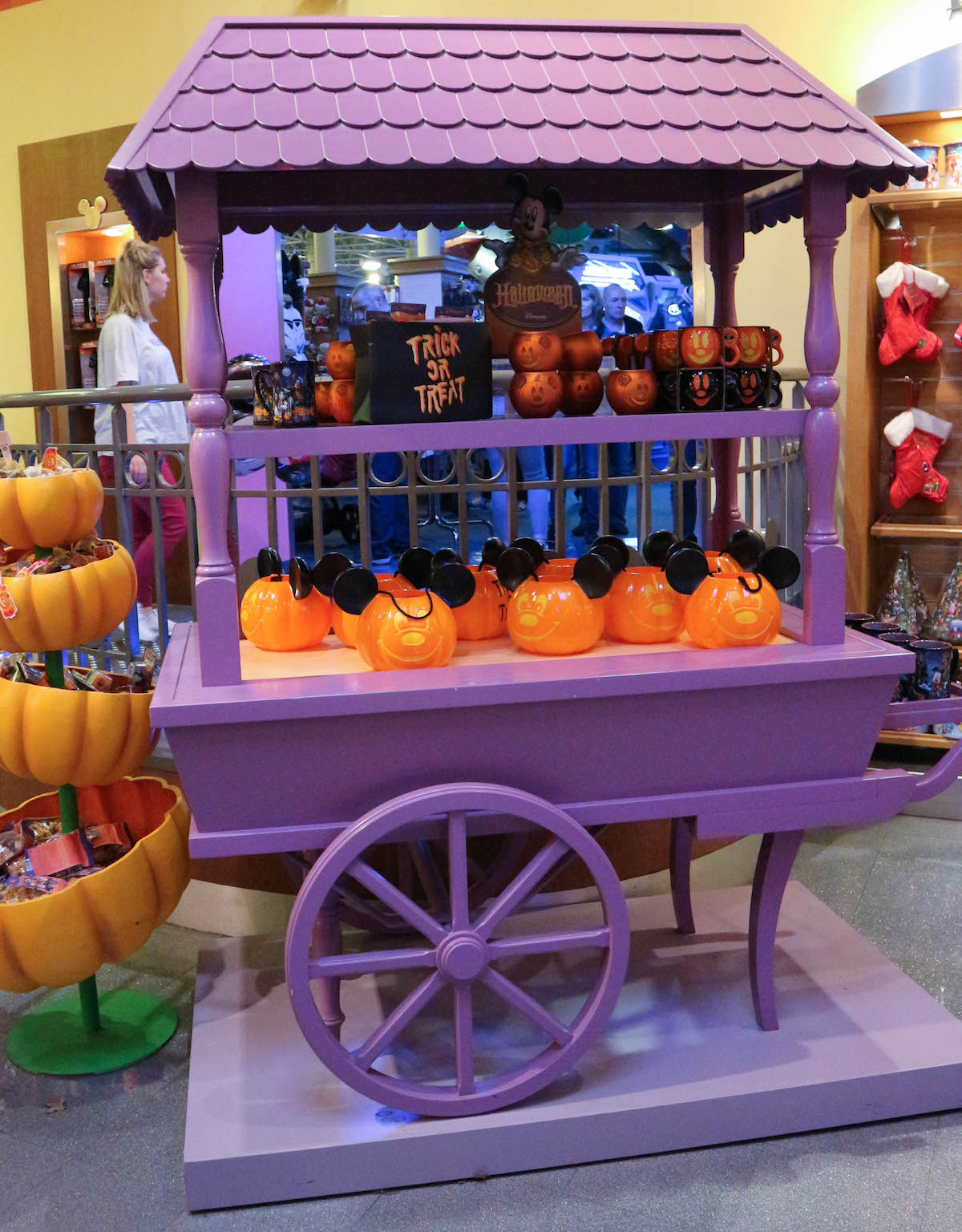 disneyland-paris-halloween-2016-decoration-inspiration