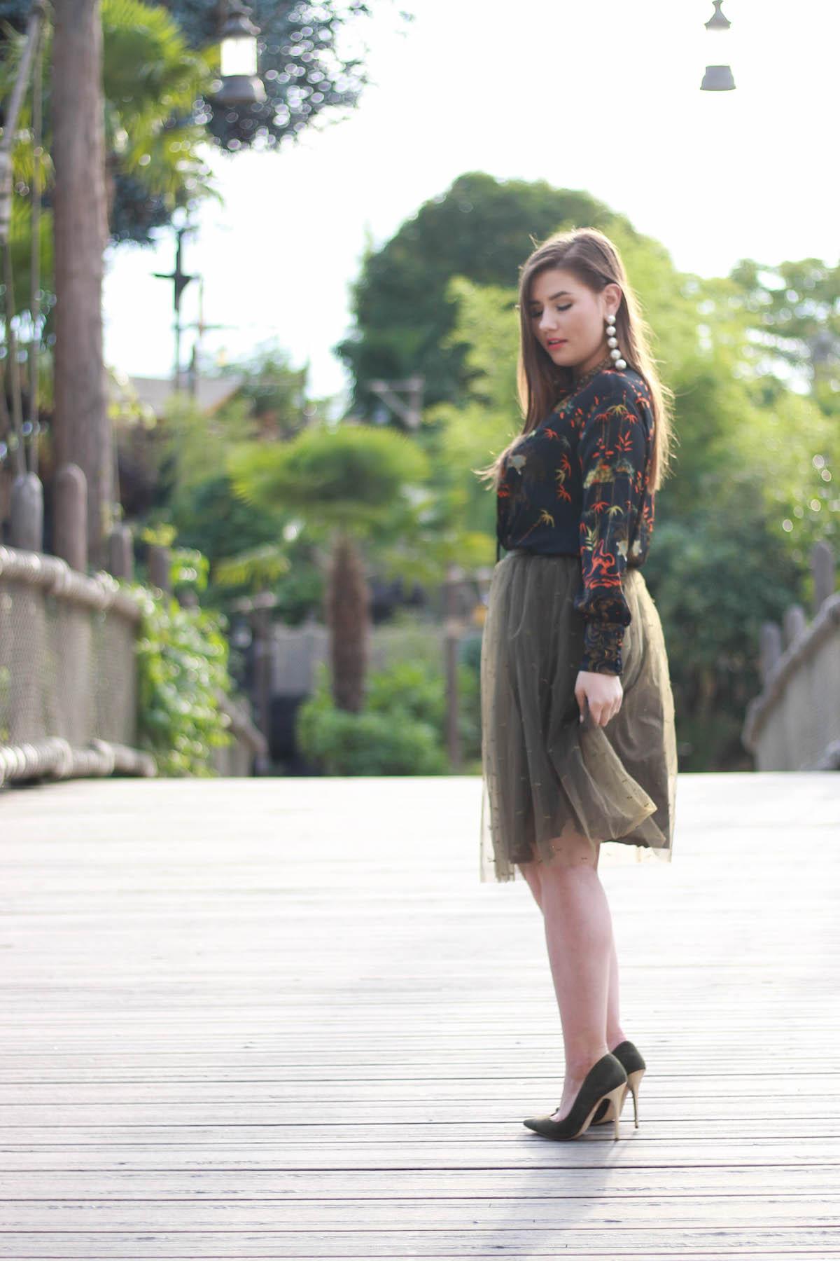outfit-mit-wildleder-pumps-topshop-zara-rock-bluse