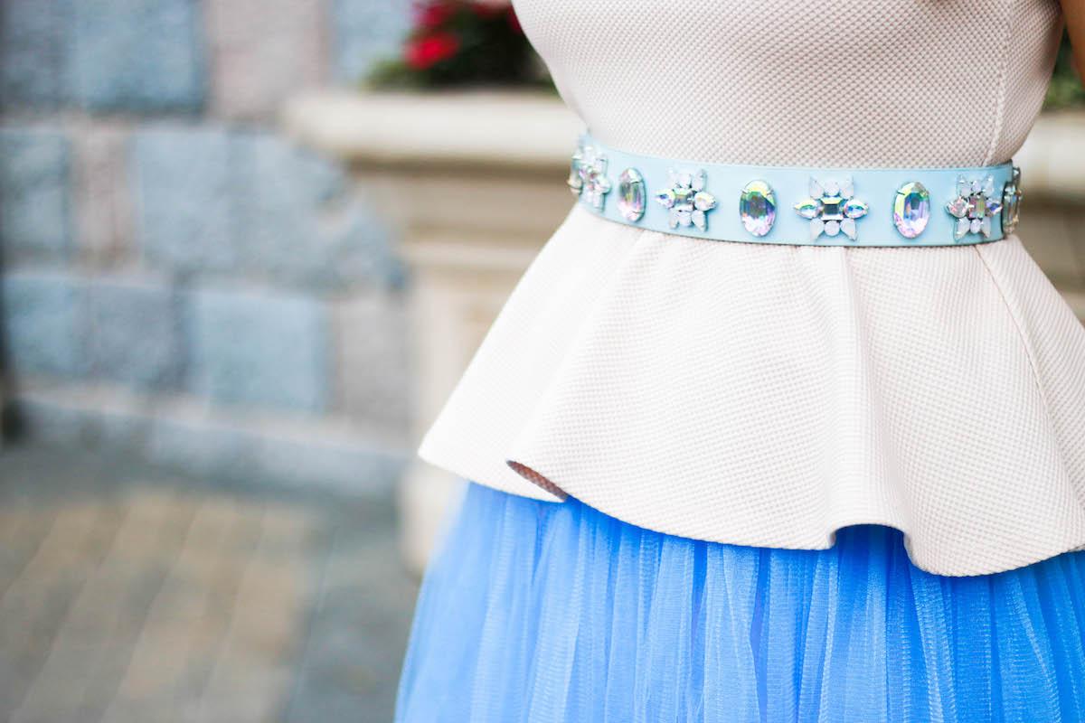 asos-taillen-guertel-min-strasssteine-outfit