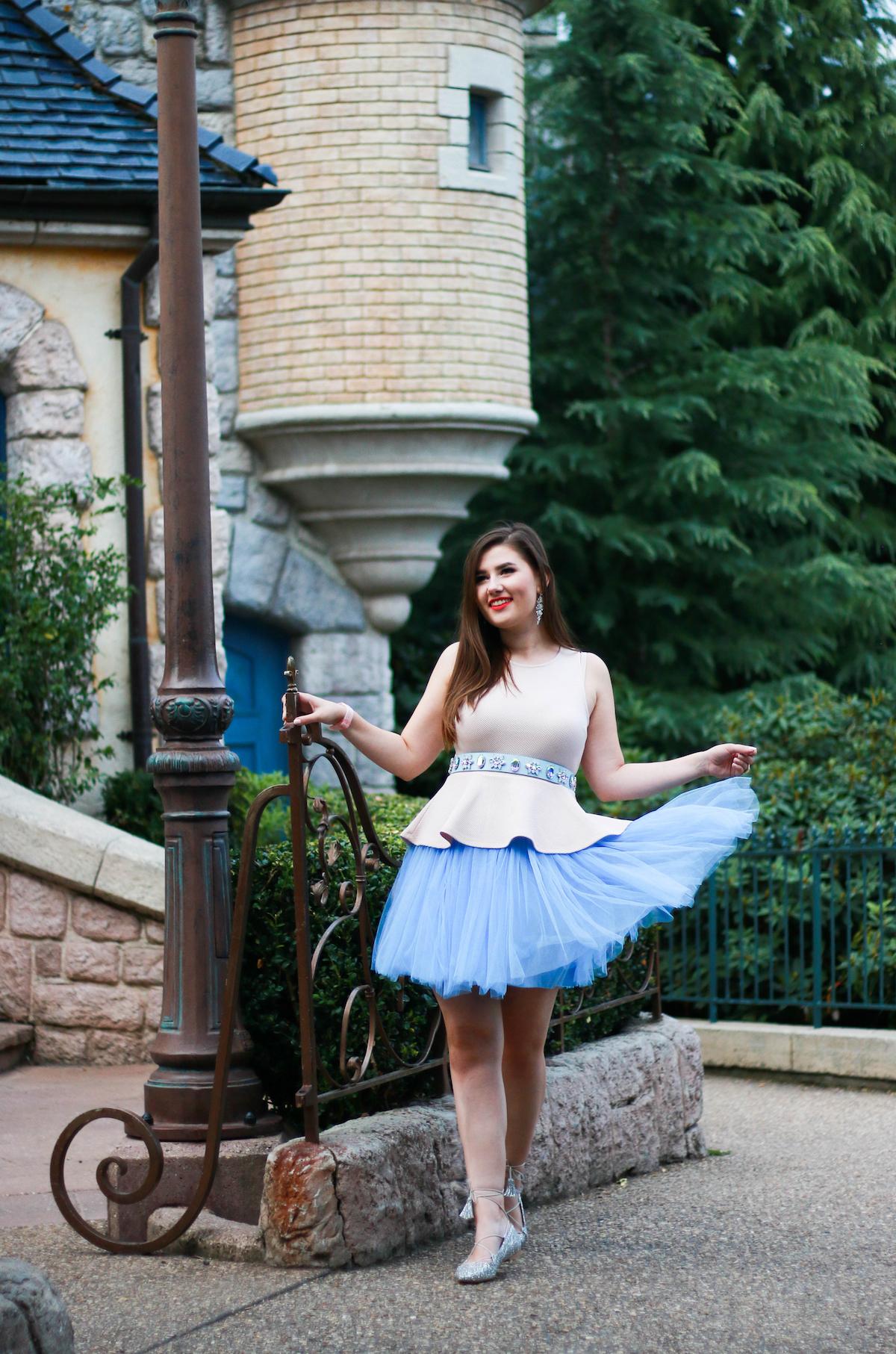 sara-bow-disneyland-paris-outfit