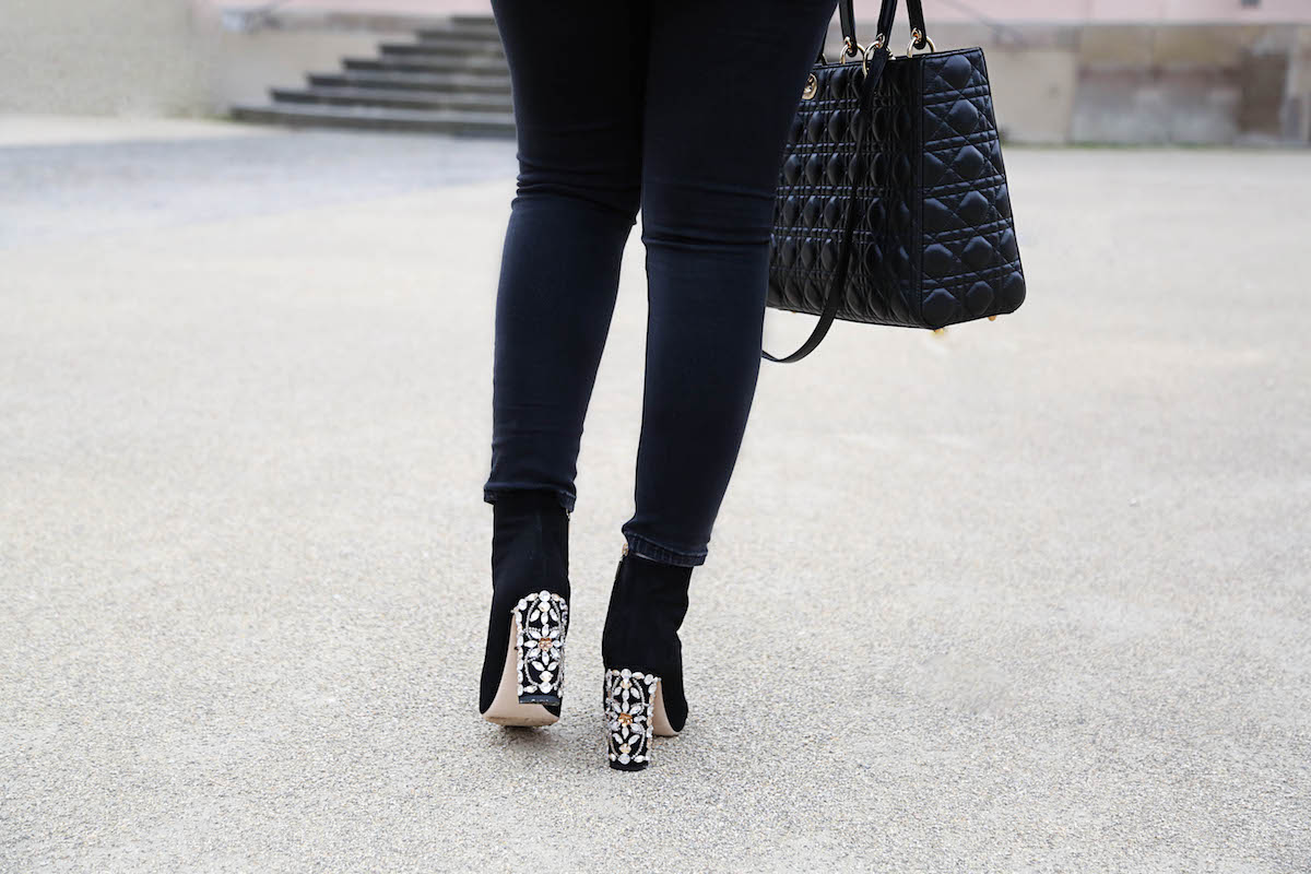 dolce-gabbana-embellished-ankle-boots-outfit-fashion-blogger
