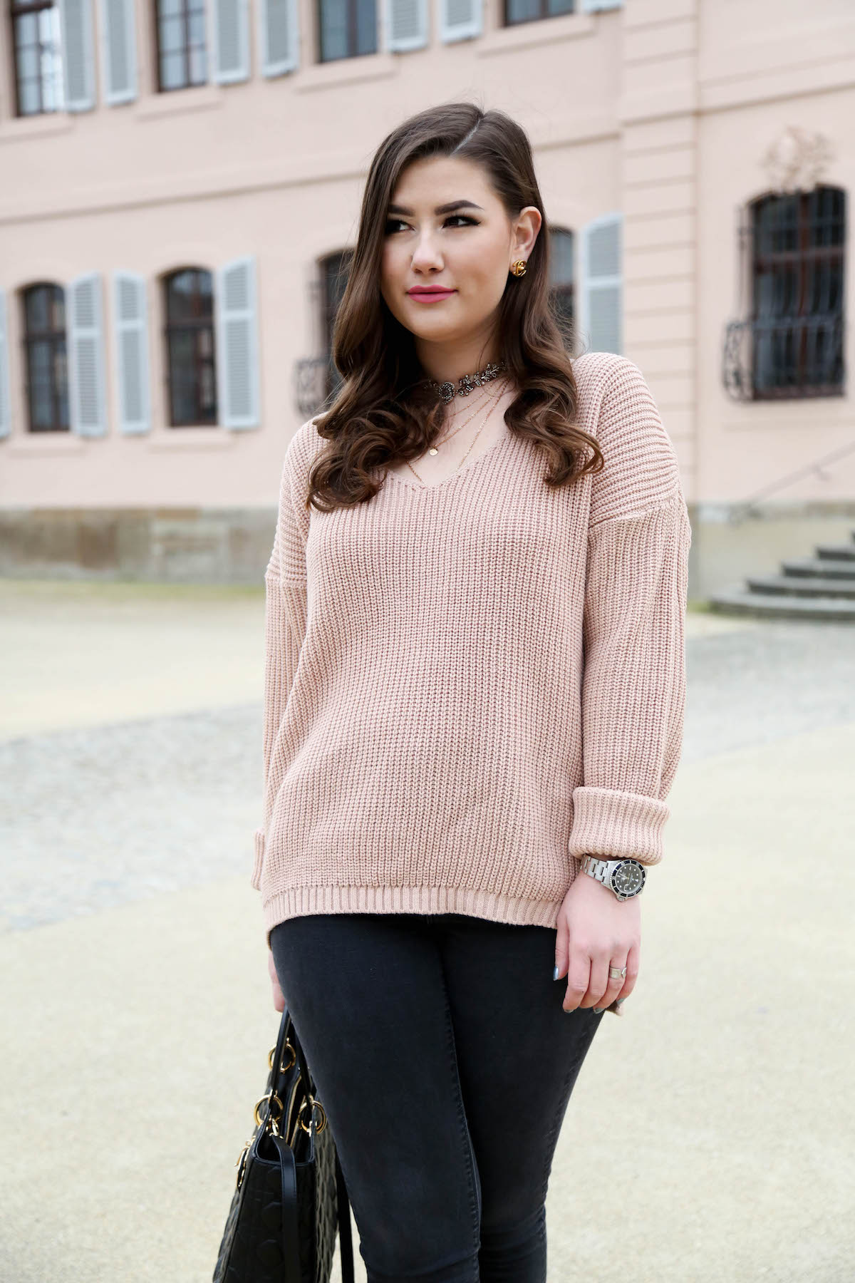 outfit-oversize-pullover-rosa