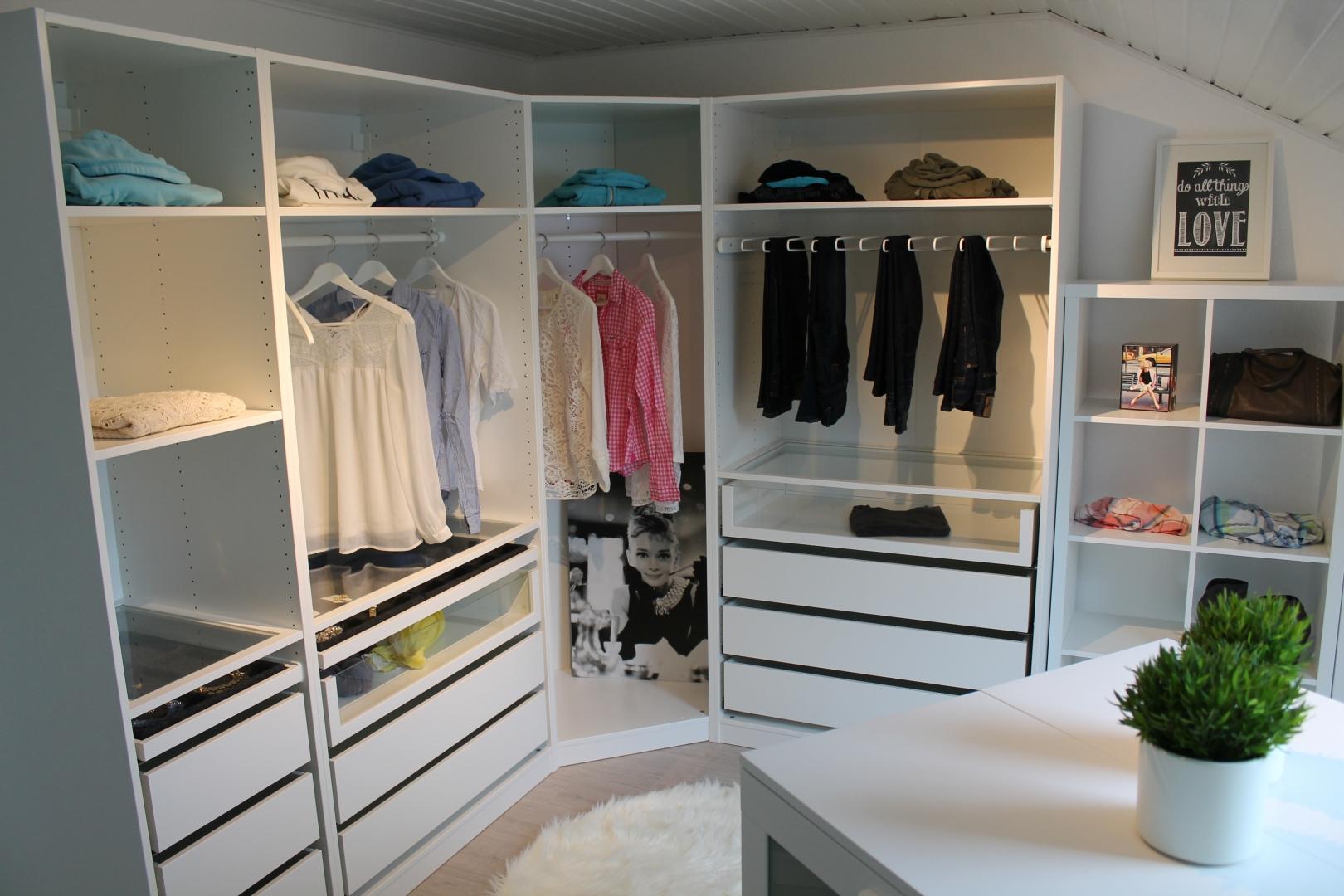 ikea pax ankleidezimmer einrichten beispiel sara bow. Black Bedroom Furniture Sets. Home Design Ideas