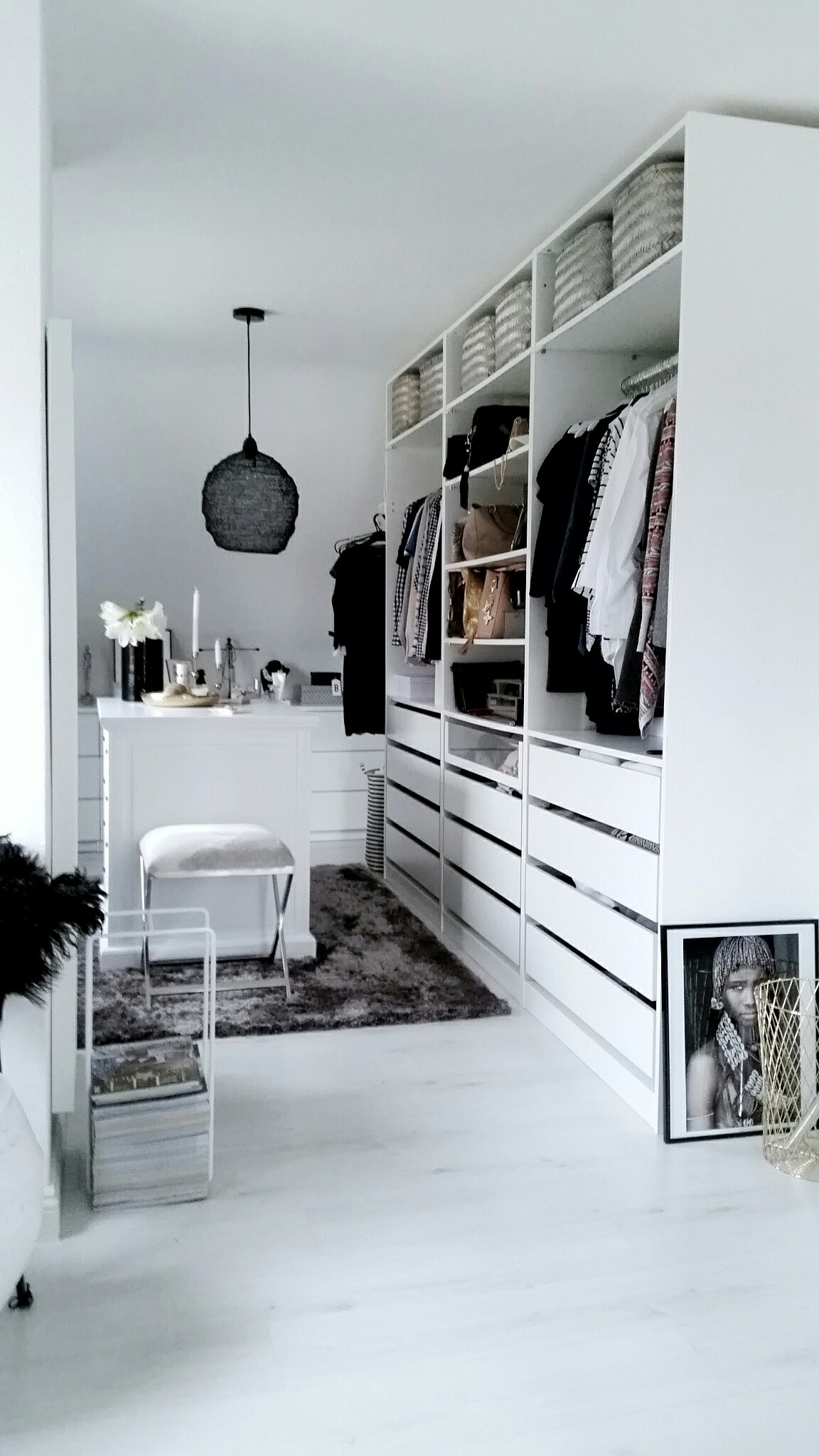 ikea pax kleiderschrank kombinationen inspirationen sara bow. Black Bedroom Furniture Sets. Home Design Ideas