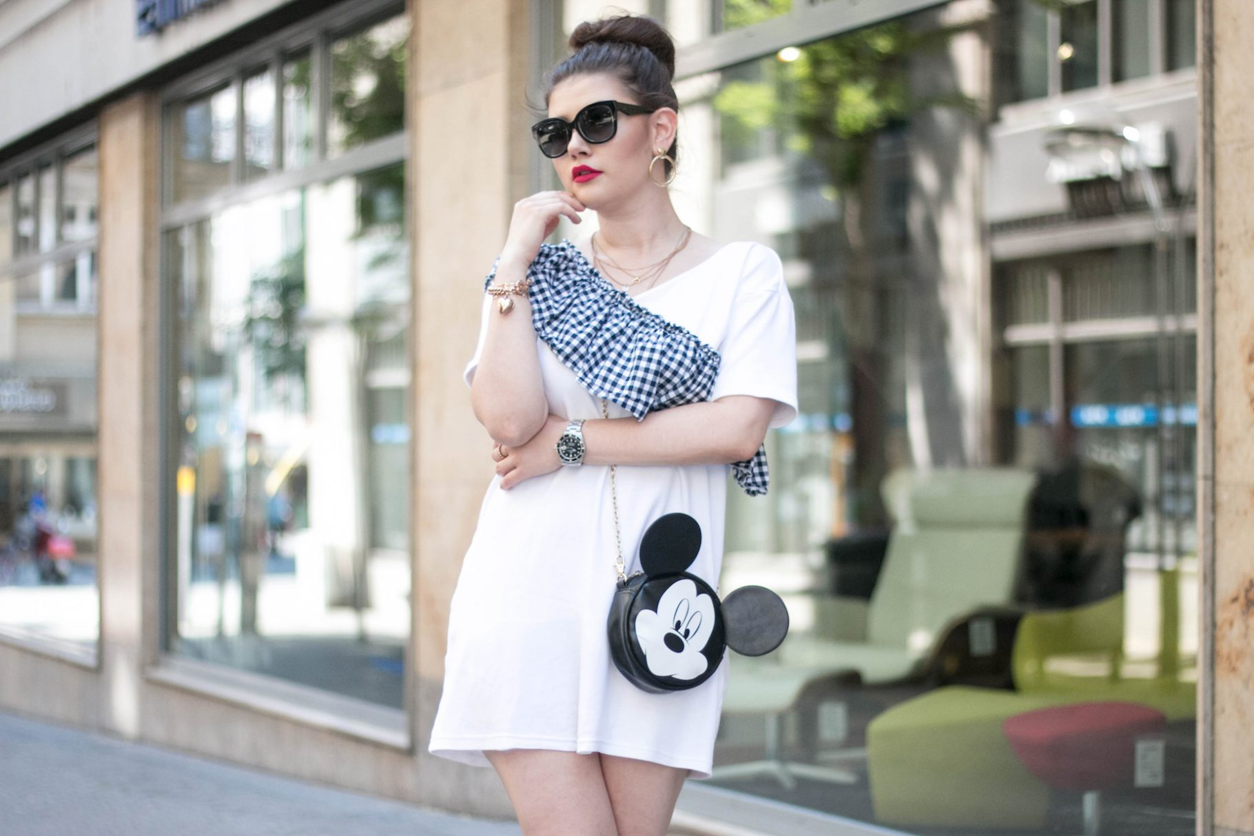 Sommer Outfit mit Miu Miu Ballerinas & Mickey Mouse Tasche