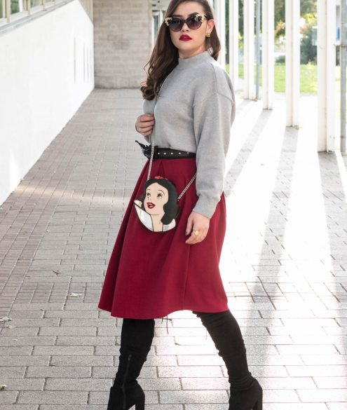 Roter Midi Rock Outfit