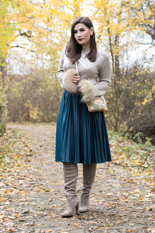 Herbst Outfit mit Overknees & Midi Rock
