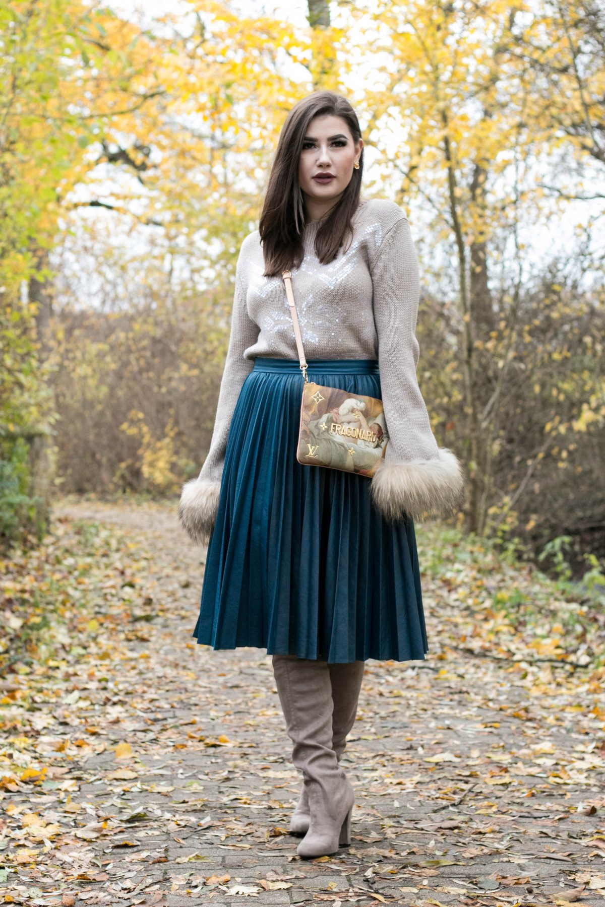 Featured Post Mein Herbstoutfit mit Midi Rock und Overknees